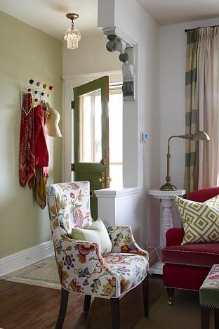 Sarah Richardson Sarah 101 Vibrant Living Room Floral Chair