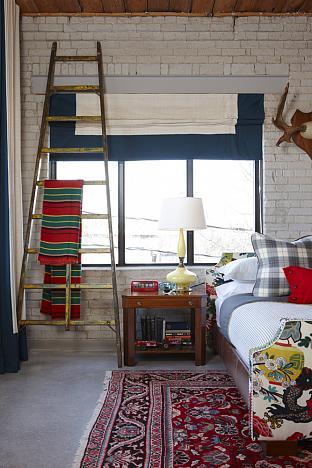 sarah richardson sarah 101 loft schumacher fabric chiang mai red blue ladder