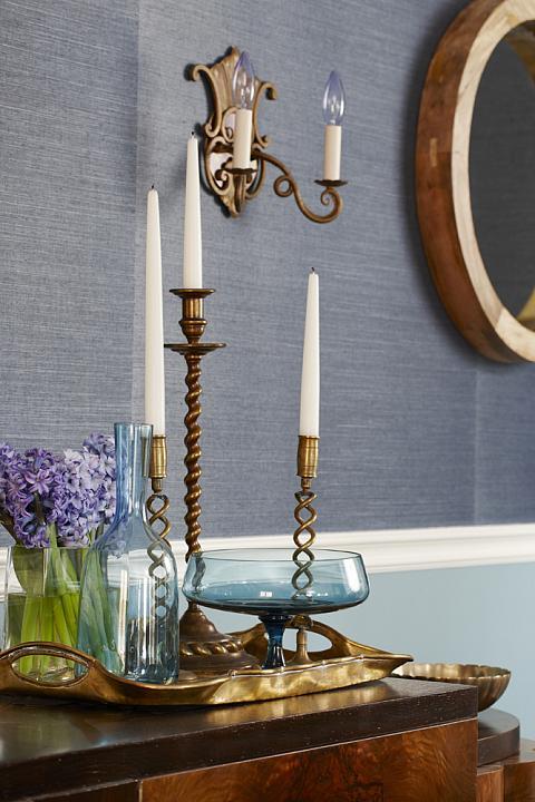 sarah richardson sarah house 4 dining room blue grasscloth brass candlesticks